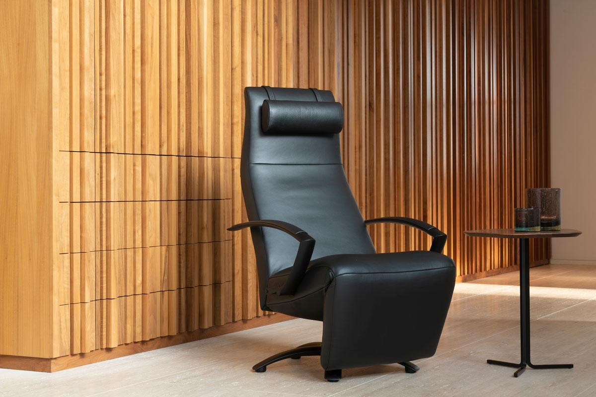 Jori fauteuil in zwart leder