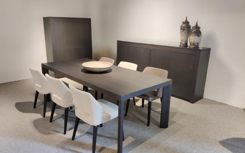 Veva – eetkamer: tafel   dressoir   barkast (excl. stoelen)
